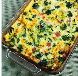 Broccoli, Ham and Mozzarella Egg Bake